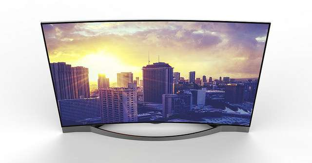 "MEDION LIFE X18028: 55"" Curved LED UHD-TV von Medion"